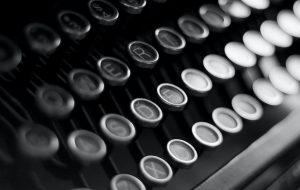 Het verdwijnen van de ouderwetse schrijfmachine heeft veel invloed gehad op onze manier van schrijven.