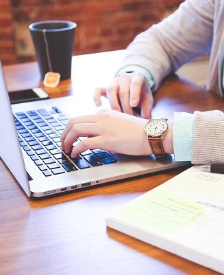 samen met de online schrijfcoach werken aan een tekt via het TVF